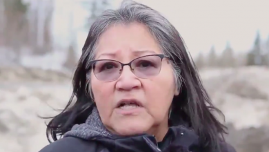 Photo of Wet'suwet'en Nation members explain why they support pipelines