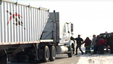 Photo of RCMP investigating truck driver who went through blockade in Manitoba