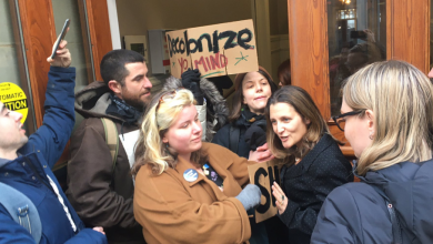 Photo of Deputy PM blocked from entering Halifax City Hall by anti-pipeline protestors