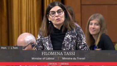 Photo of Liberal minister announces $15 minimum wage for Canada