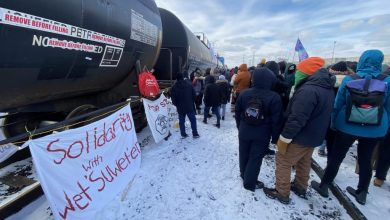 Photo of Major companies are turning away from Canada because of anti-pipeline blockades