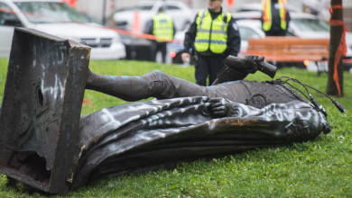 Photo of Politicians react to toppling of Sir John A Macdonald statue in Montreal